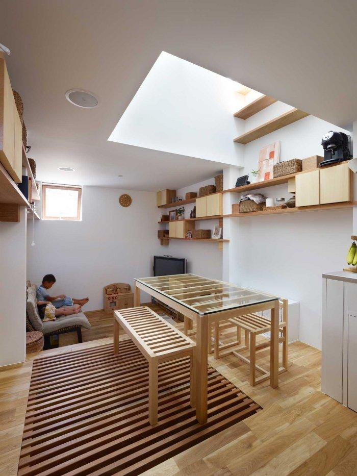 japanese minimalist inside a tiny house in nada japan founterior. Black Bedroom Furniture Sets. Home Design Ideas
