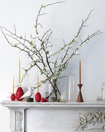 Candle Holder - Easter Decorating Ideas in Pictures & How-To Examples