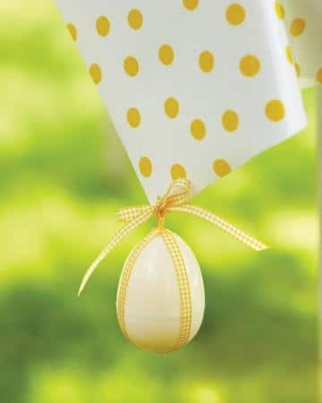 Decorated Egg Weight - Easter Decorating Ideas in Pictures & How-To Examples