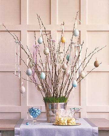 Easter Egg Tree - Easter Decorating Ideas in Pictures & How-To Examples