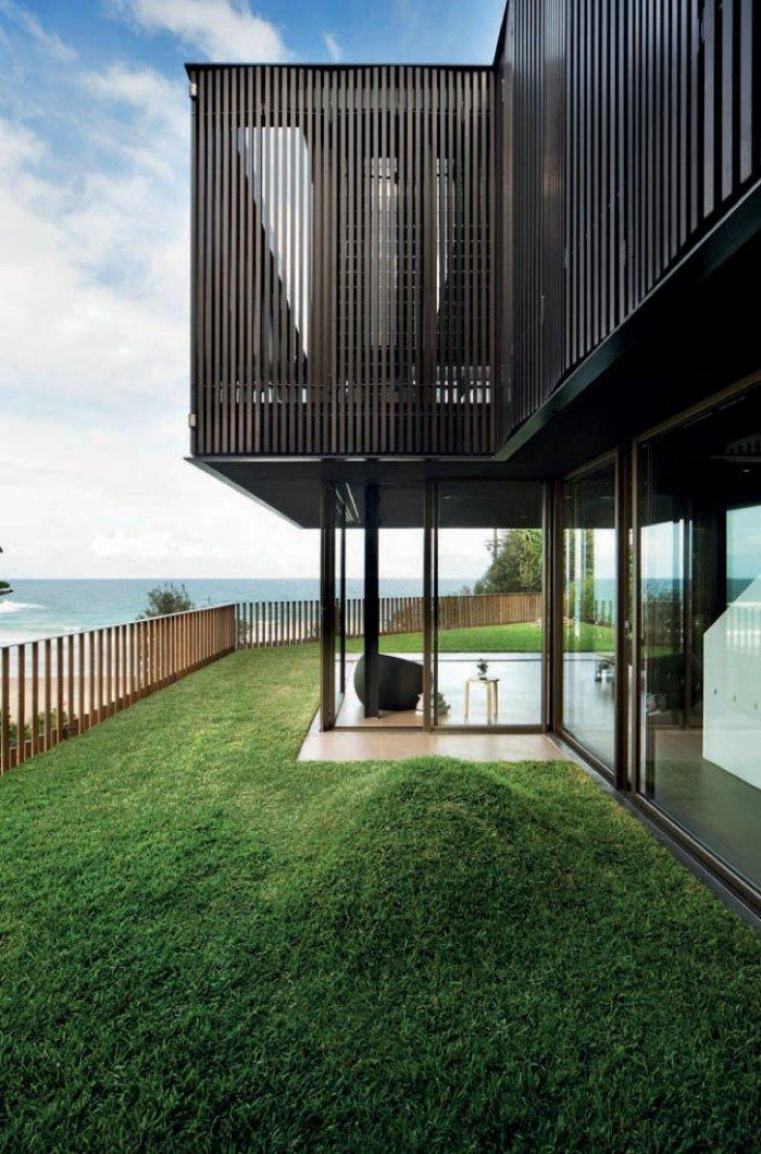 Green Lawn - Impressive Luxury Designer Beach House Architecture