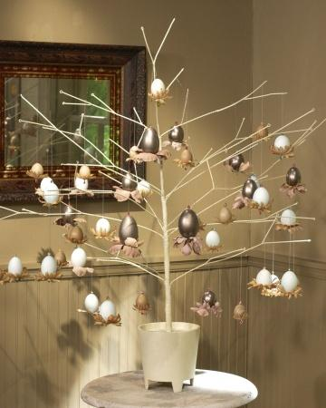 Jeweled Egg Display - Easter Decorating Ideas in Pictures & How-To Examples