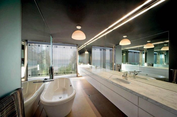 Luxury Bathroom - Impressive Luxury Designer Beach House Architecture
