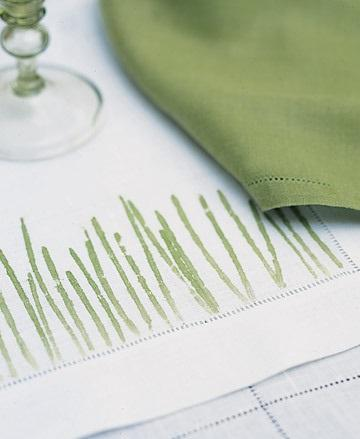 Pounded-Grass Place Mats - Easter Decorating Ideas in Pictures & How-To Examples